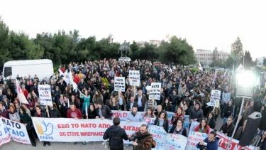 Protesta en el Ministerio de Defensa griego contra la implicación de la OTAN en el Egeo