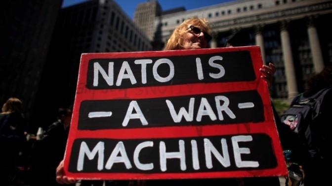 Llamamiento para acciones internacionales contra la Cumbre de la OTAN en Bruselas en Mayo 2017.