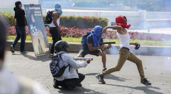 Siete coincidencias entre las protestas violentas en Nicaragua y Venezuela
